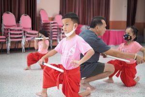 การฝึกซ้อมโขนอนุบาลของนักเรียนชมรมโขนอนุบาล