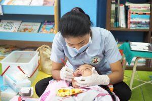 ตรวจสุขภาพนักเรียนโดยกองการแพทย์ เทศบาลนครภูเก็ต